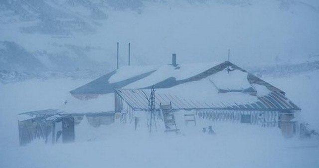 pKPzE5JDF0 - Заброшенные дома в Антарктиде: наследие полярников