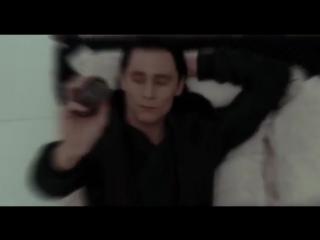 Tom Hiddleston / Chris Hemsworth