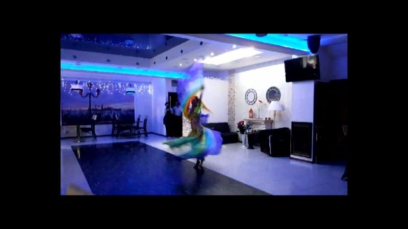 восточный танец с флагами Юлия Аймани г. Астрахань