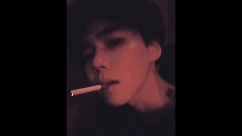 김민성 on Instagram_ _ㅎㅎ 멍때리는중  _일상 _흡연 _담배 _메비우스__BZ.mp4