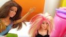 Кен красит волосы Барби - Мультики с куклами