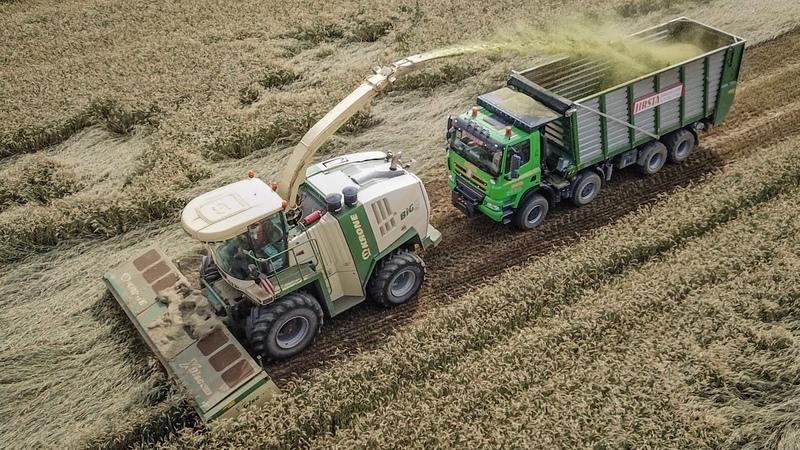 GPS 2018 - Krone BIG X700, Tatra 8x8, Case IH Magnum 340, John Deere 7230R