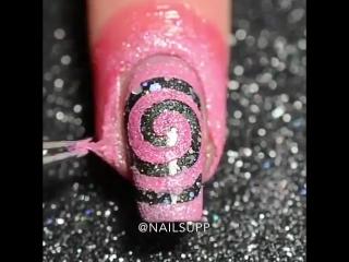 Бомбический дизайн ногтей