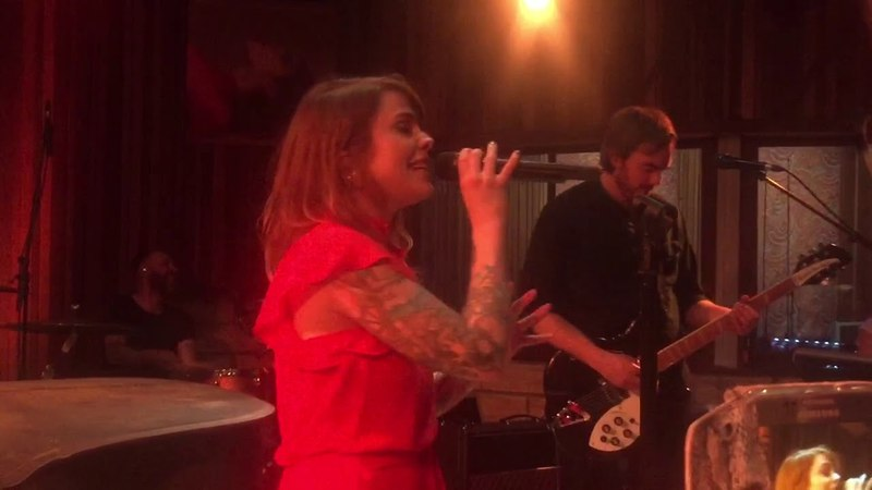 Coeur de Pirate - INÉDIT : Combustible (Live @ Bruxelles, showcase Radio Contact)