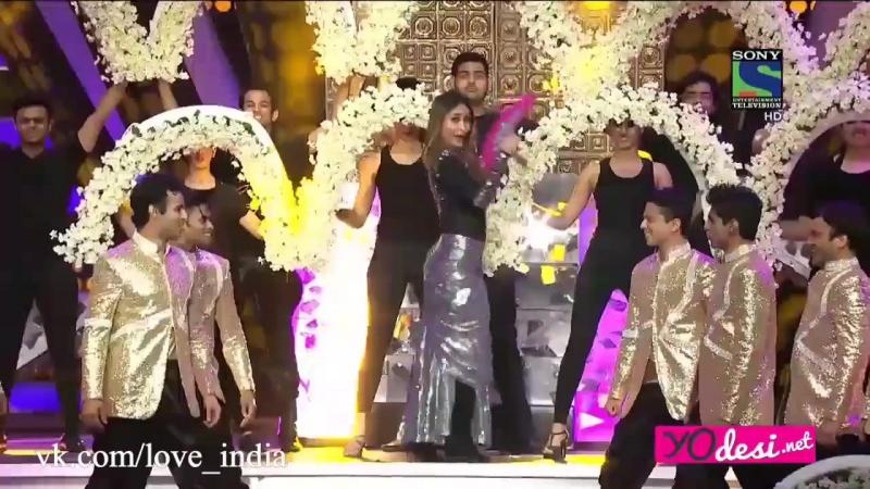 Карина Капур Кхан Выступление на TOIFA 2016.