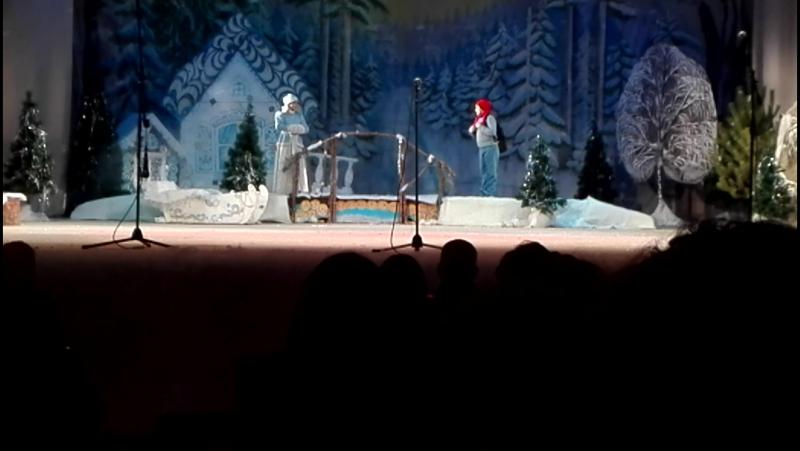 Новогодний спектакль Внук Деда Мороза 2018 1 часть.