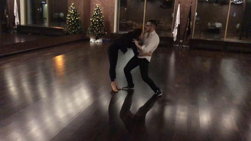 Бачата сенсуале Александр Анастасия в школе танцев Романа Ковгана