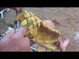 жемчужина увильды лапти русские на пляже