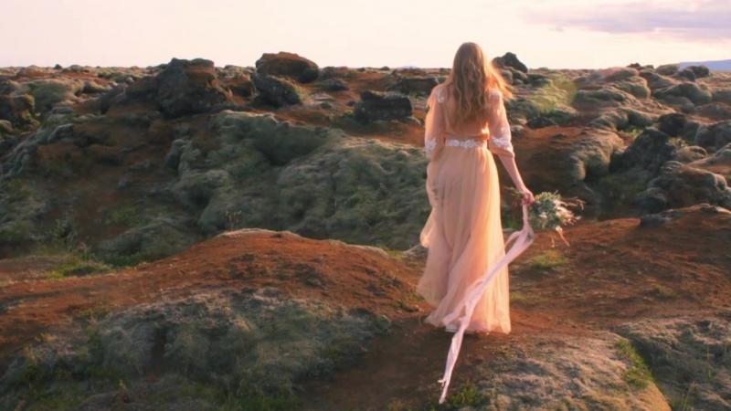 Прогулка по лавовым полям в Исландии