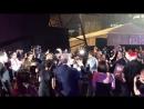 Бен на раздаче автографов в Сингапуре (16/04/18)