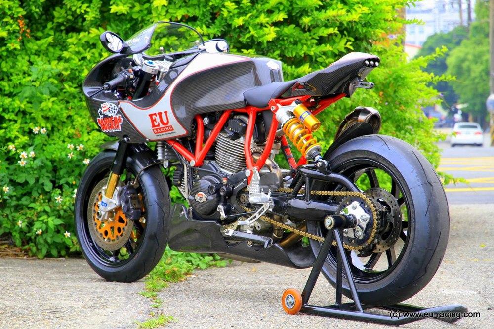 Игорь Уо: тюнингованный Ducati MH900E Radical Ducati Tribute