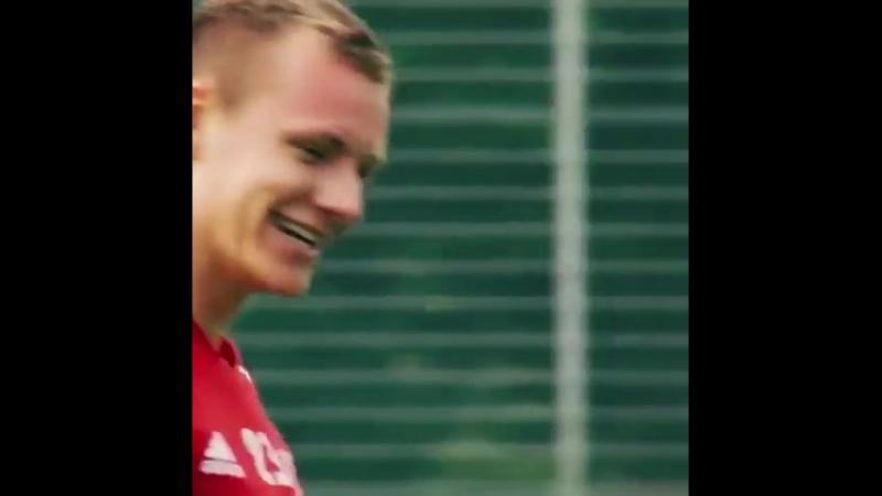Leverkuson's Goodbye' video to Bernd Leno