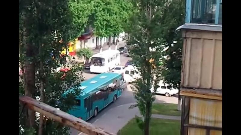 23.05.2013 Губкин.час пик на ул.Кирова
