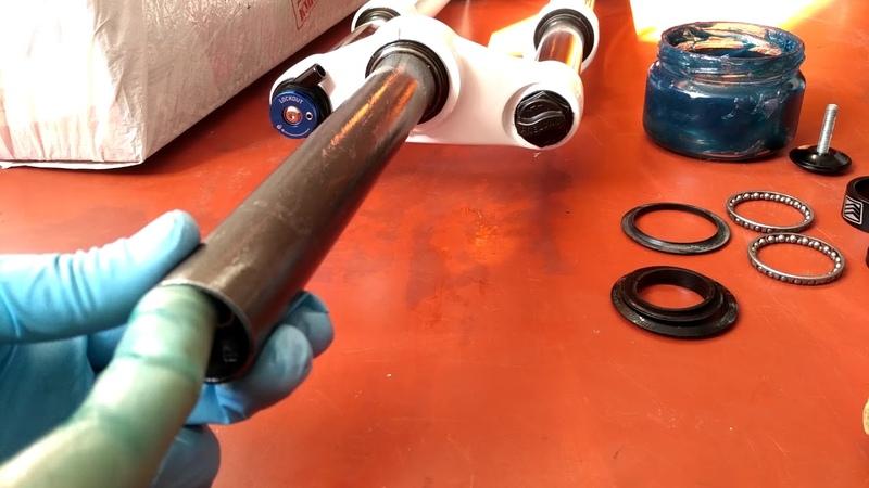 Установка новой вилки на велосипед, обрезка штока, полная инструкция! Rock Shox XC28