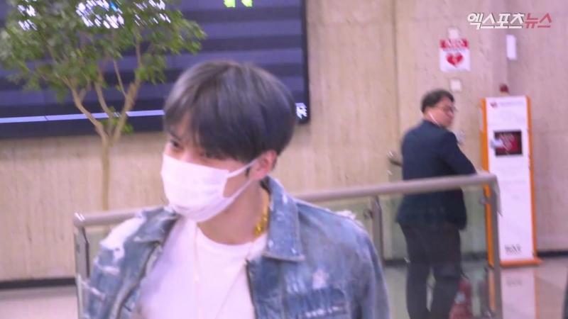 JYJ 김재중 김포공항 입국 현장…빛나는 눈동자와 카리스마(공항 직캠)