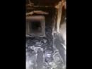 вентиляционная шахта с ванной комнаты квартиры 32 с бревном внутри и наполовину забитым проёмом
