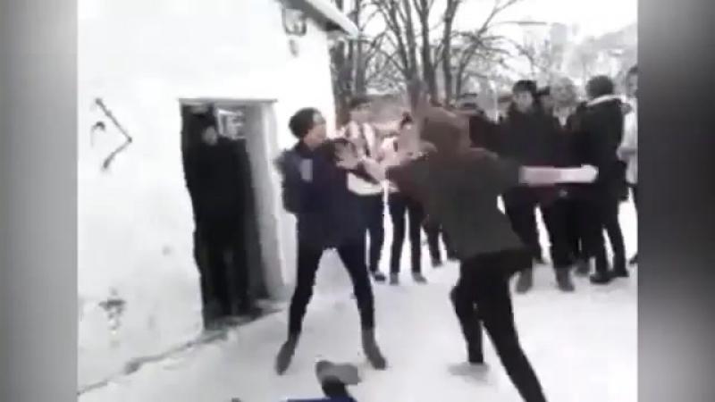 Видео драки школьниц в ставропольском селе попало в соцсети  В управлении МВД РФ по Ставрополью началась проверка по факту драки