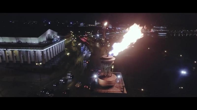 Огонь ростральных колонн _ Санкт Петербург с дрона