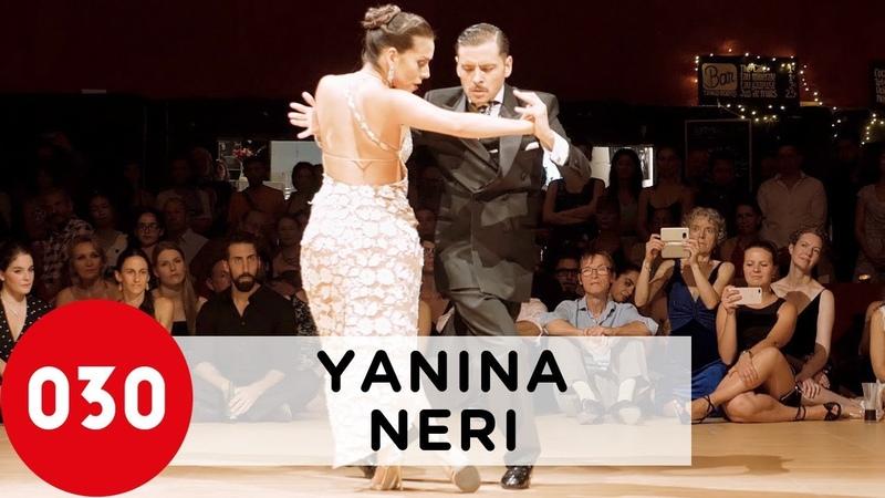 Yanina Quiñones and Neri Piliu – Ríe, payaso