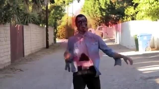 Move like zombie!