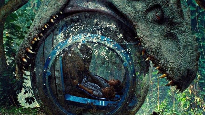 Индоминус Рекс пытается съесть детей из стеклянного шара. Мир юрского периода. 2015