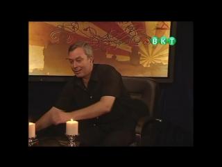 Геннадий Винокуров. Демонстрация на себе мгновенного обезболивания без транса и гипноза. В студии телевидения в 2010 г.