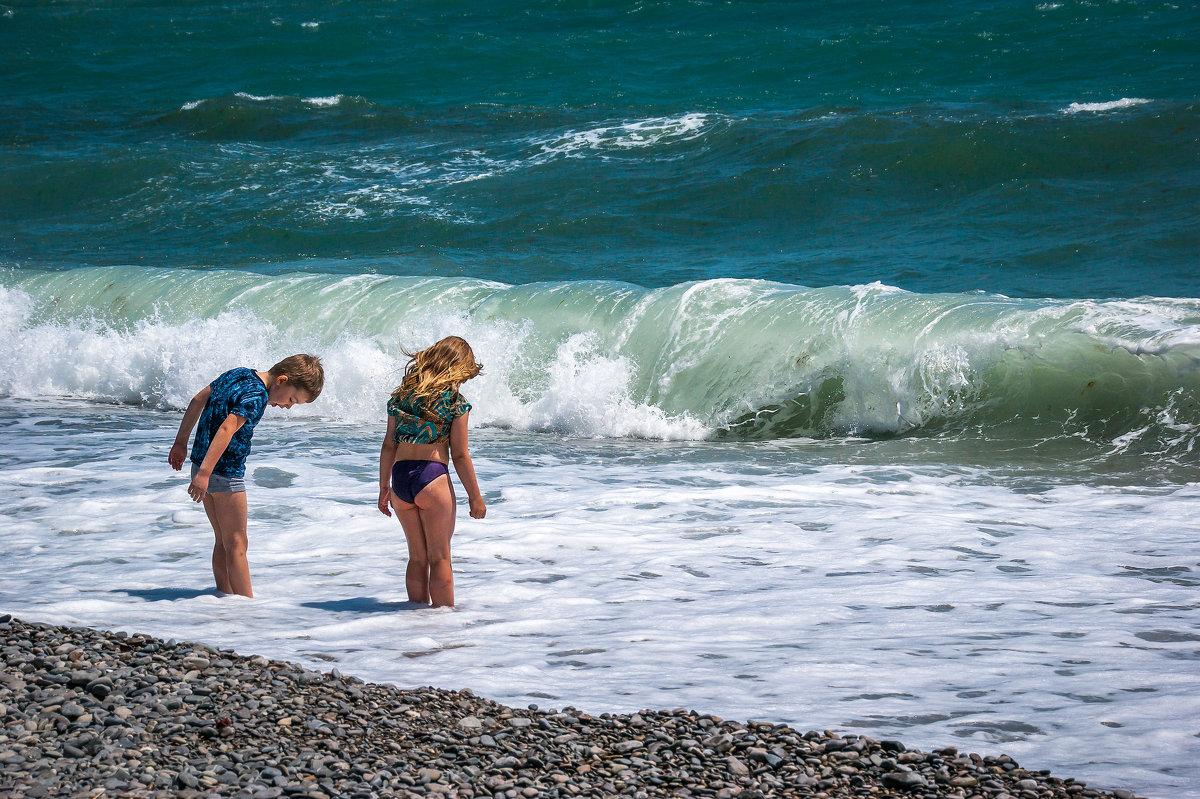 Во время шторма на море в Крыму исчез ребенок