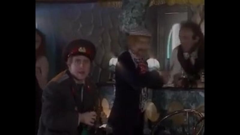 Стриптиз Красной Шапочки-Маски Шоу...