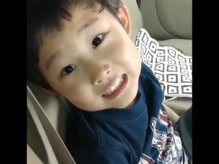 Cutie pie sing hello.. so adorable.. -