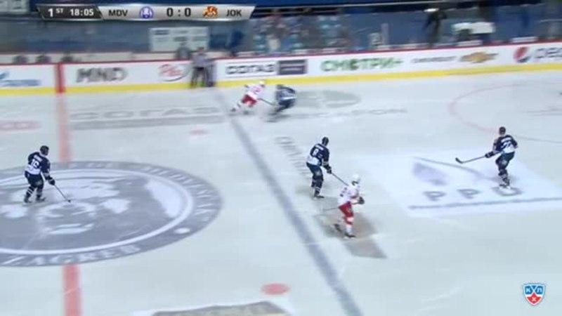 Моменты из матчей КХЛ сезона 14/15 • Опасный момент. Мозес Стив (Йокерит) два раза бросил опасно 22.02