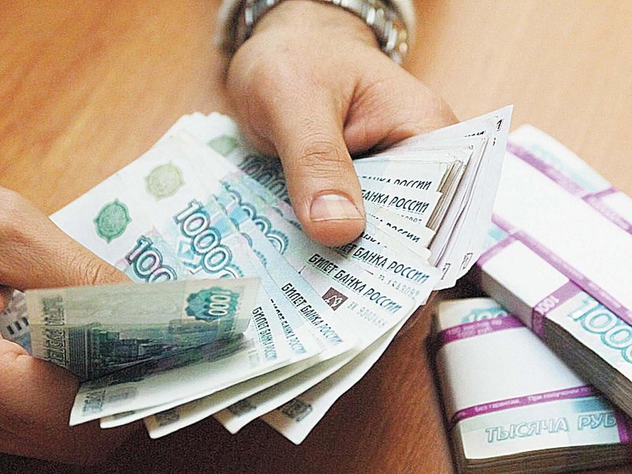 """Томич обвиняется в том,что набрал """"вахтовиков"""" и скрылся с их деньгами"""