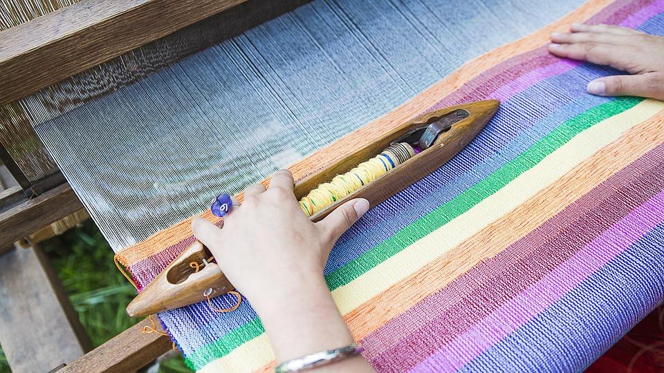 Ценители оригинальных предметов гардероба и интерьера соберутся на фестивале апсайклинга в СВАО