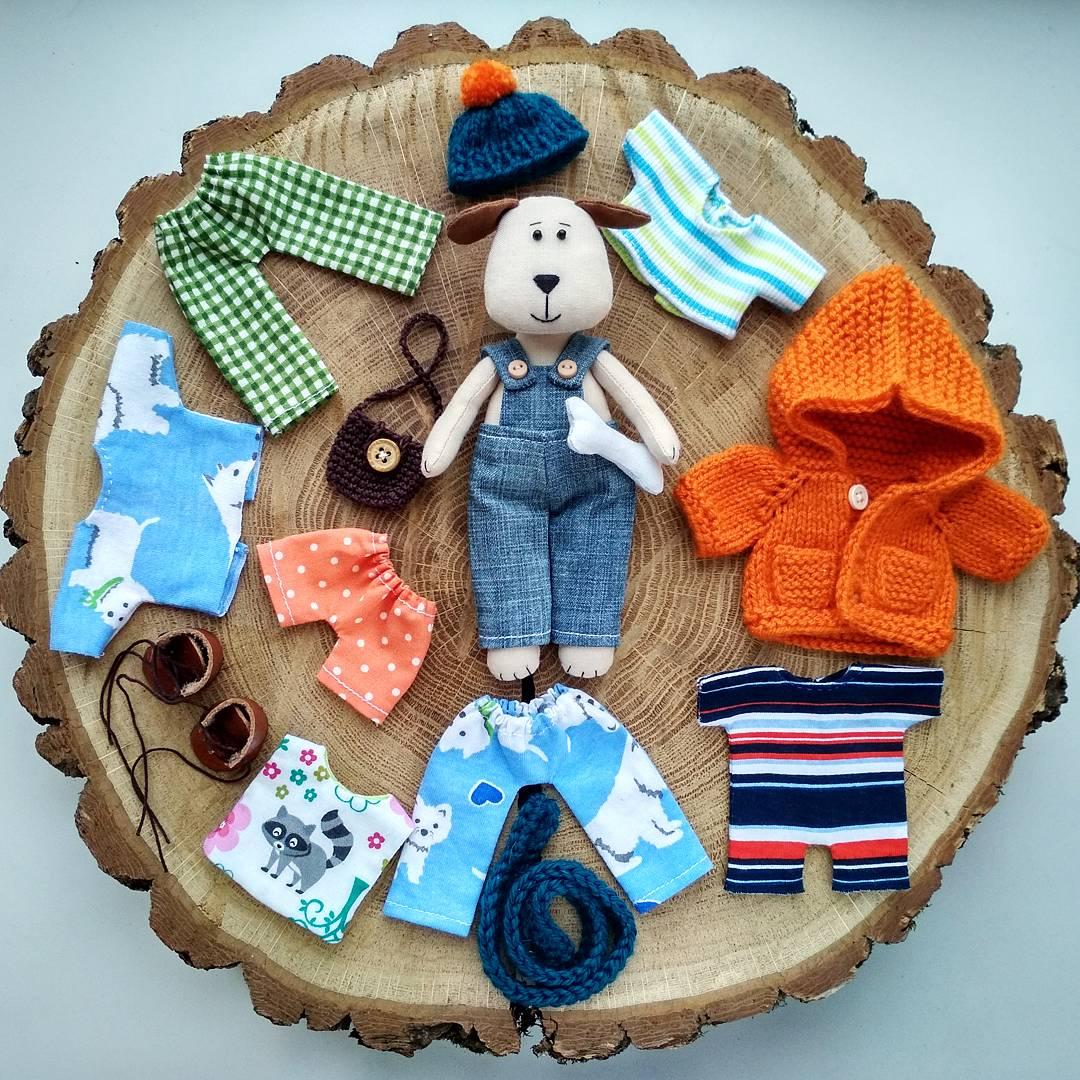 игрушка с одеждой