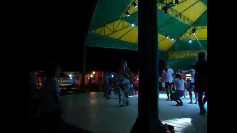 Танцы в клубе Как ты бель в ночь с 12 на 13 августа 2013 года Коктебель