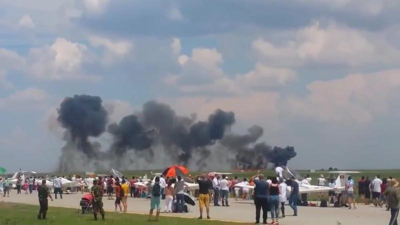 En Roumanie, lors du spectacle aérien sur la base de Borcha, un avion MiG-21 sest crashé.