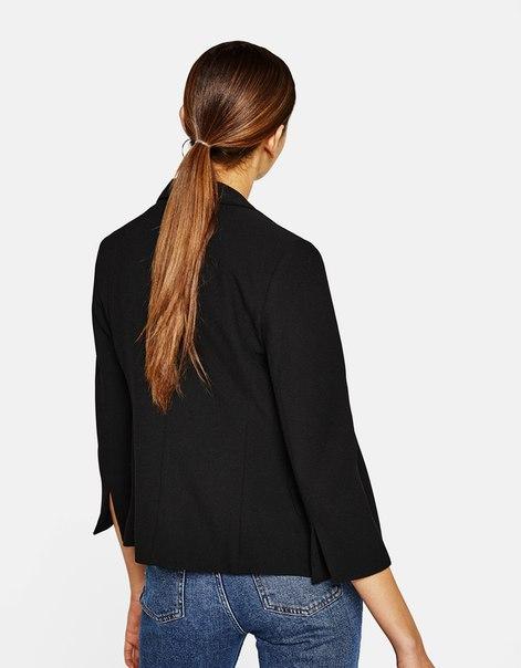 Приталенный пиджак из крепа
