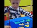 Отличная игра для развитиякоординации движений и глазомера.А мы с Мишей ещё и цвет повторили😊