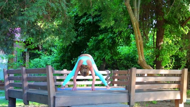 Комплекс упражнений, направленный на развитие гибкости тела и улучшение подвижности суставов.