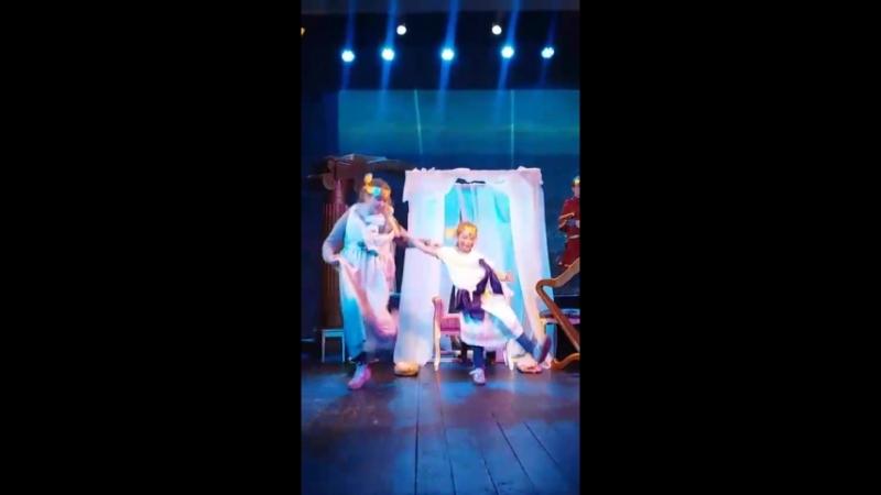 Участие и показ спектакля «Одиссей и Пенелопа».