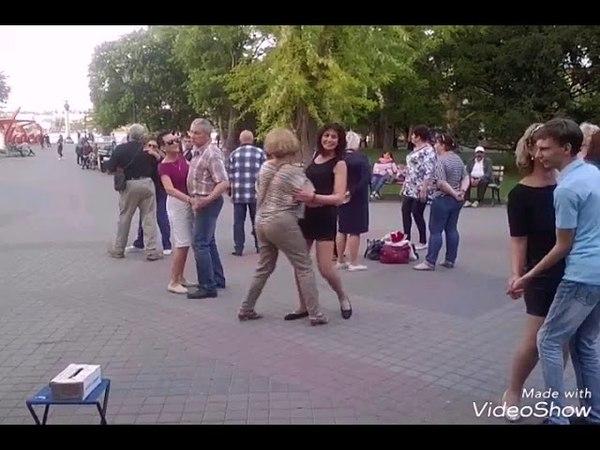 Танцы на Приморском бульваре 10 мая 2018 года. Песни весны и Победы