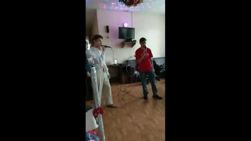 Гости из Москвы поют Марк Маслов и Панкрашин Николай