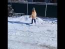 Чел, который радуется снегу