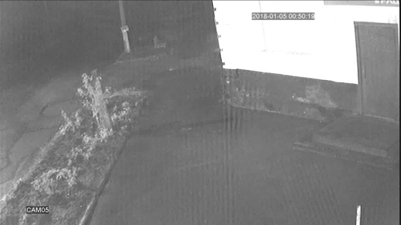 №2 в м. Ватутіне 2 людини викрали 3 камери спостереження