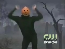 Spooky pumpkin dancing to Tokio Hotel's Boy Don't Cry.