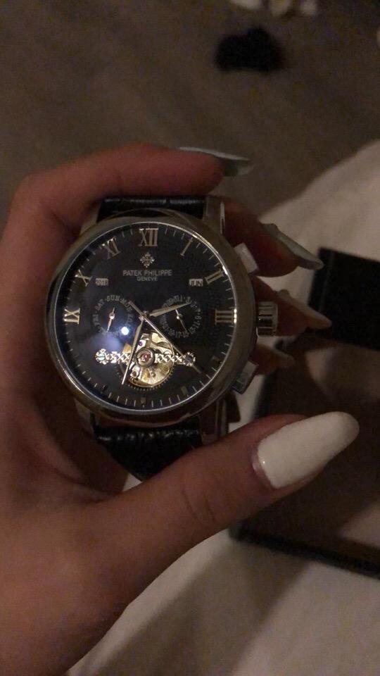 e8ec11d293ee Здравствуйте! Купила часы для своего парня буквально пару дней назад ...