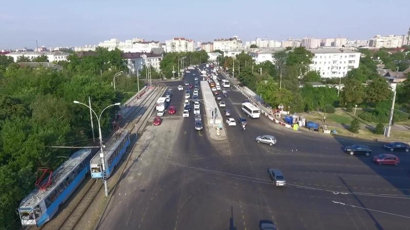 Cвежее видео - Офицерский путепровод сегодня утром в час пик. За видео спасибо tvkrasnodar.ru