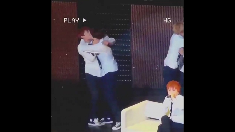 Choreo pretend to be flirty with eo - - jihope were going to have sex on stage