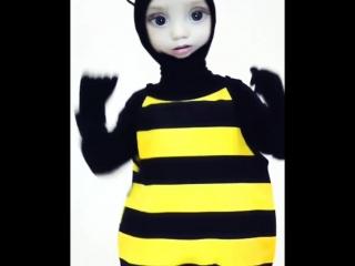 Наш пчеленок