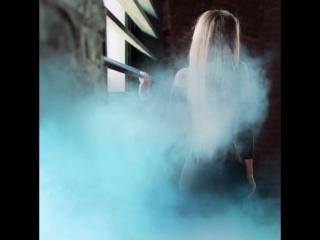 Сегодня с 21:00 за пультом в @babel_msk ❤️ Ph @art_of_ck ✨ Волшебный дым от @photo.trend2017 💫🌈