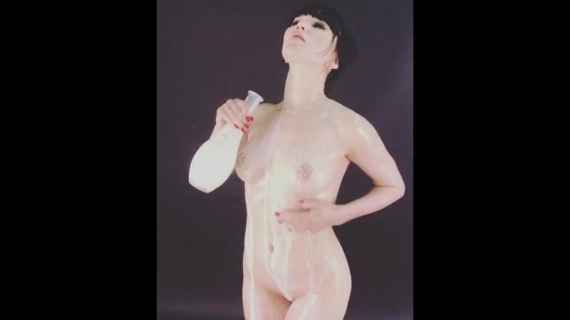 В ролях Лада Брик и молоко эротика не секс brazzers pornhub знакомства анал хентай домашнее студентка голая сквирт минет попа